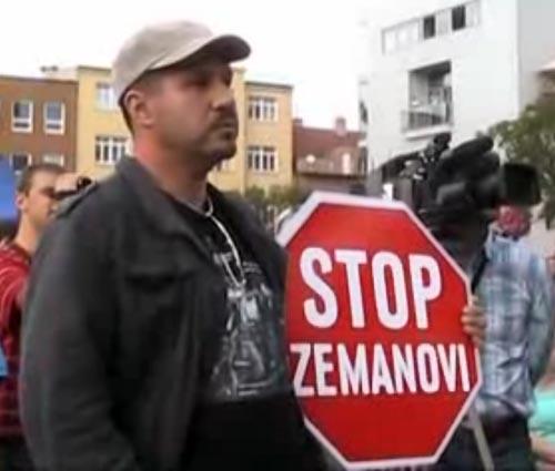 """Nechceme zpět Gottwaldov! """"vítal"""" Zlíňan Zemana"""